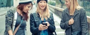 girls on phone